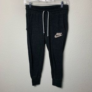 Nike cropped joggers.